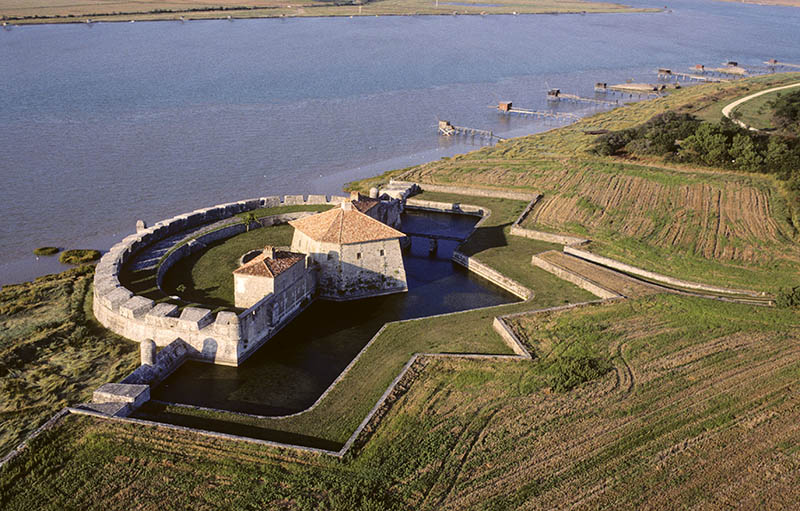 Fort Lupin is a fort built by Vauvan (between 1663 and 1686) on the southern bank of the Charente estuary. Charente-Maritime Province. Atlantic coast. France