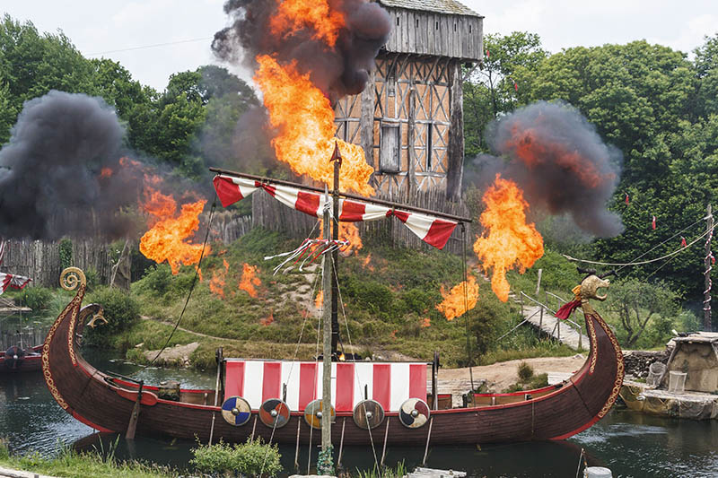 France, Vendée (85), Les Epesses, Parc du Puy du Fou, spectacle des vikings