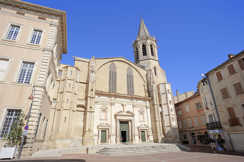 Gothic cathedral Saint_Siffrein, Carpentras, Vaucluse, Provence_Alpes_Cote d´Azur, Southern France / Cathedral St Siffrein